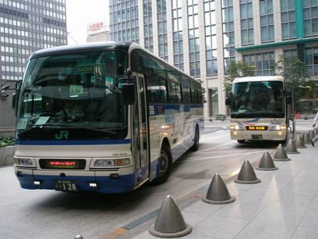 直行バスでお越しの方 - アクセス - 御殿場プレミア …